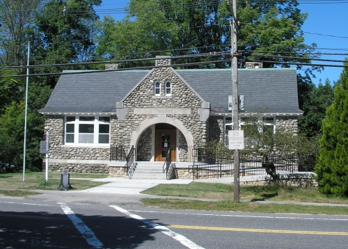 Sawyer Memorial Library, Boylston